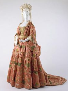 Mantua and petticoat of silk damask brocaded with gold thread